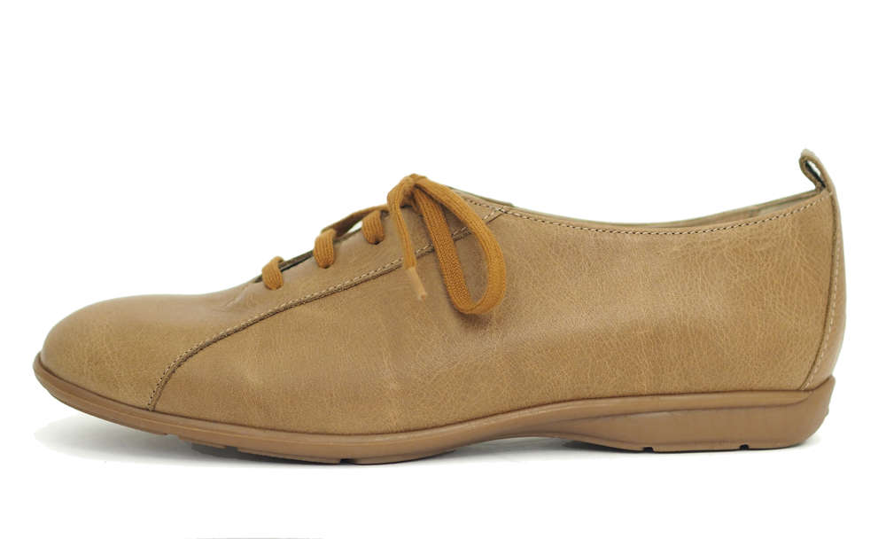Shoe with laces beige leather -50