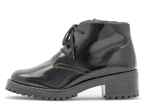 Ankle boot with laces crush patent